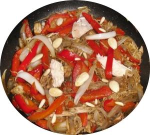 Ensalada de pollo, pimentón y cebolla aderezada con 5 especias 1